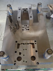 mag body trim die partial 1
